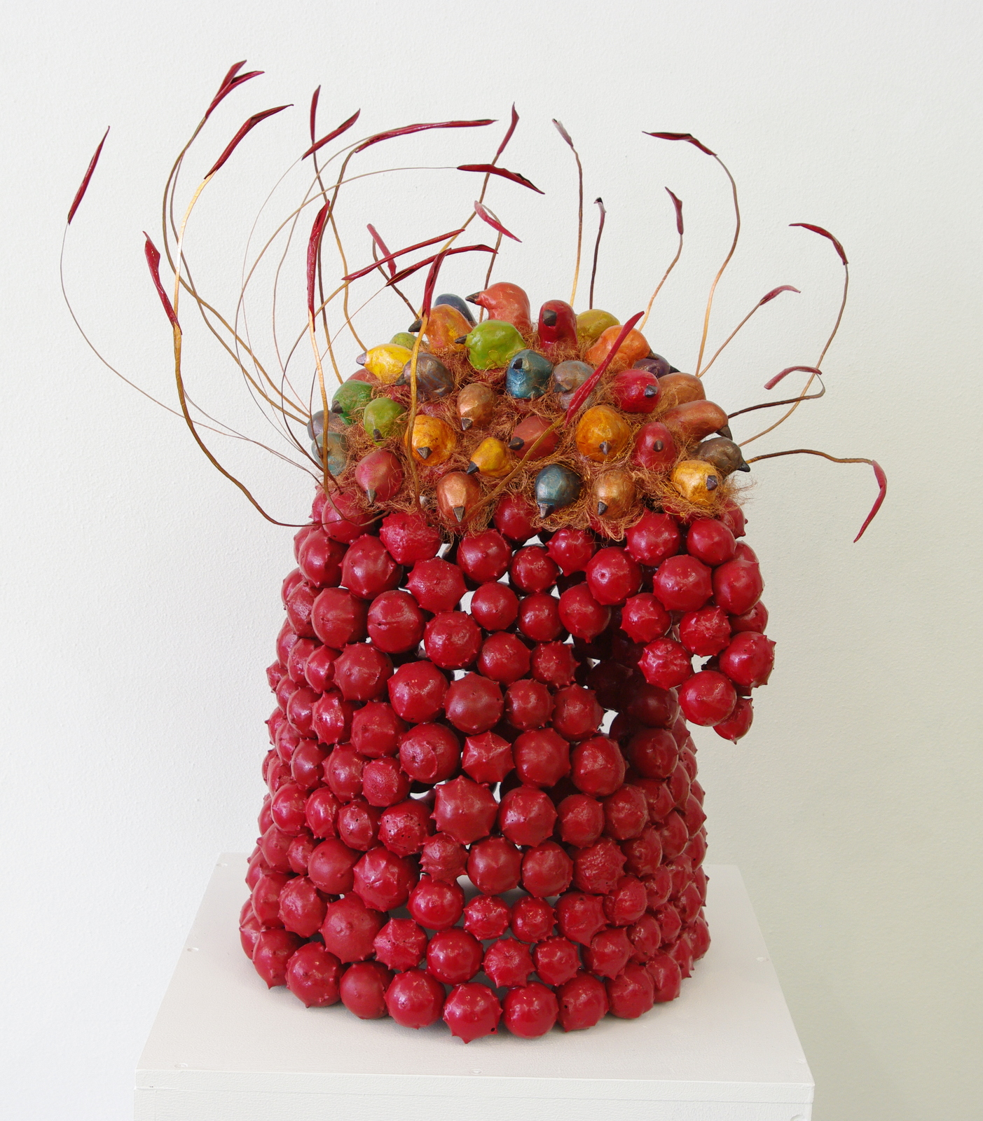 2005<br>45 x 45 x 55 cm<br>galls, olive leafs, paperclay, copper