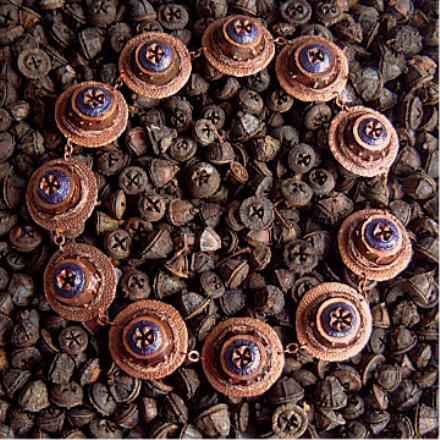 2004<br>gall, eucalyptus, copper, textile